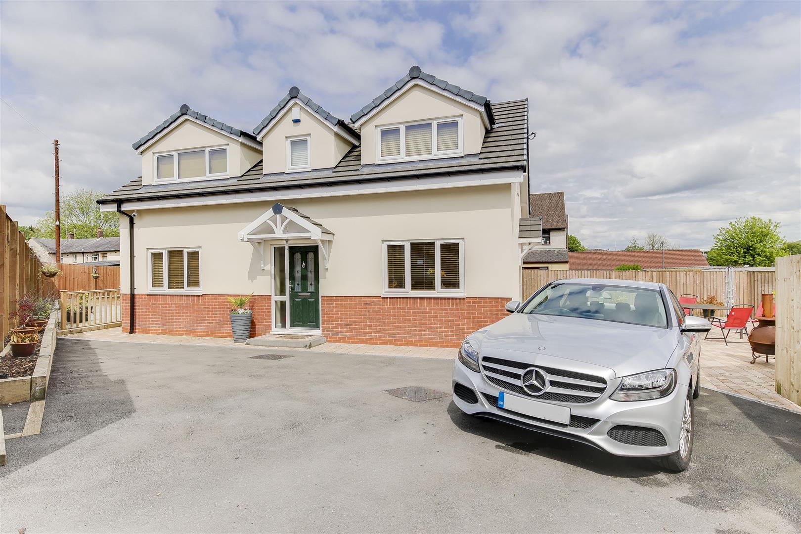 3 Bedrooms Property for sale in Norfolk Drive, Haslingden, Rossendale